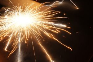 fireworks-170110_640