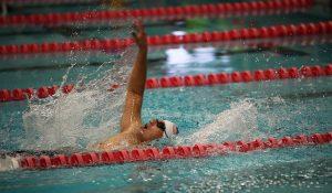 swimming-664643_640